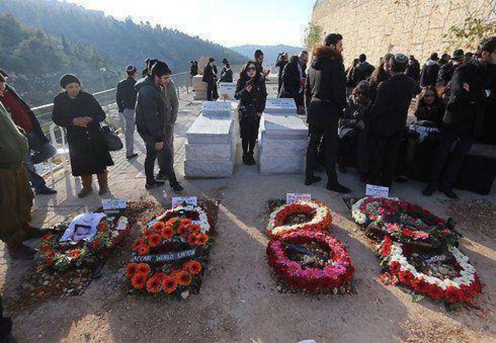 La policía francesa detuvo a cuatro sospechosos vinculados con los ataques terroristas de París