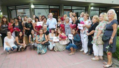 Distinguen a mujeres por su aporte a la comunidad