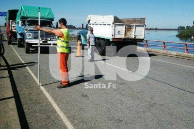 Habilitaron el tr�nsito en la autopista Santa Fe-Rosario para veh�culos livianos