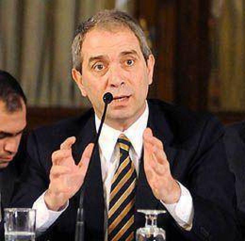 Ministro de Justicia de Provincia le llevó su agenda a Alak