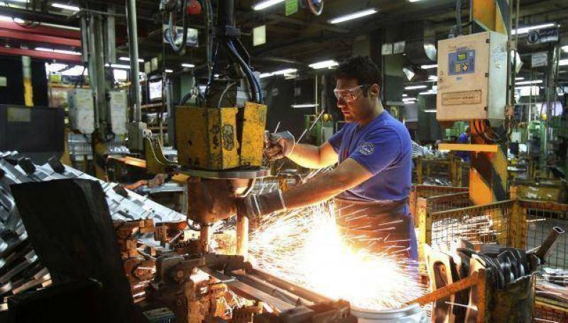 Los metal�rgicos apuntan a 32% de aumento salarial