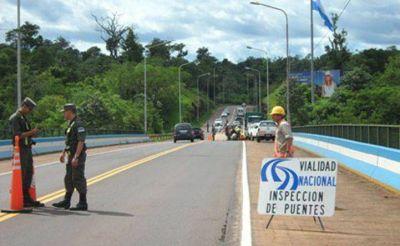 Avanzan obras de mantenimiento sobre el Puente Tancredo Neves