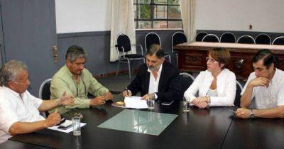 LA MUNICIPALIDAD CAPITALINA FIRM� UN CONVENIO PARA REALIZAR CAPACITACIONES JUNTO A UTHGRA