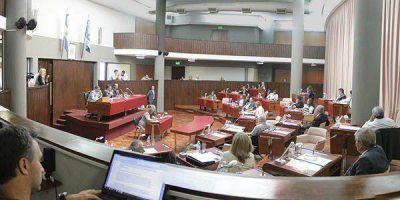 Legislatura: pelea entre oficialismo y oposición por los incendios y las tierras cordilleranas