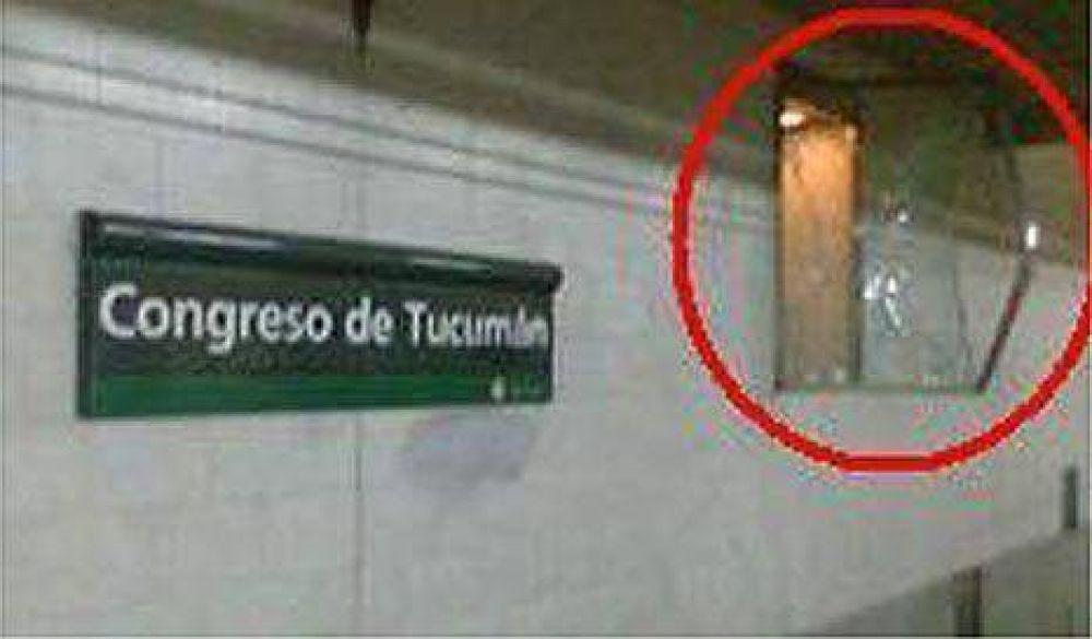 Contradicciones sobre la desaparición del busto de Perón