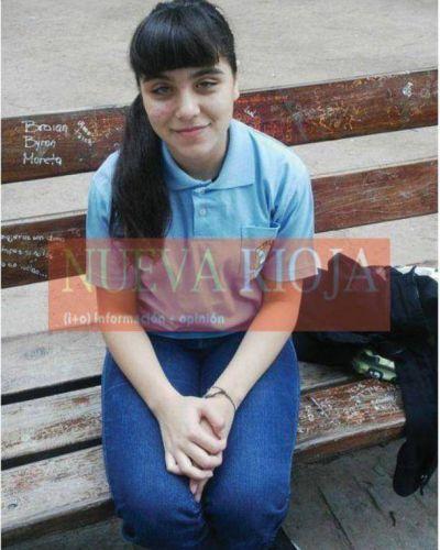 Nena riojana en lista de espera por un trasplante de córneas