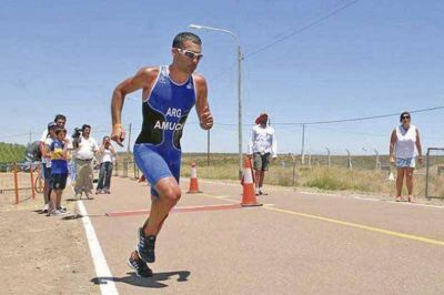 Yamil Amuch sobresalió en la 6º edición del Triatlón de Mar del Plata