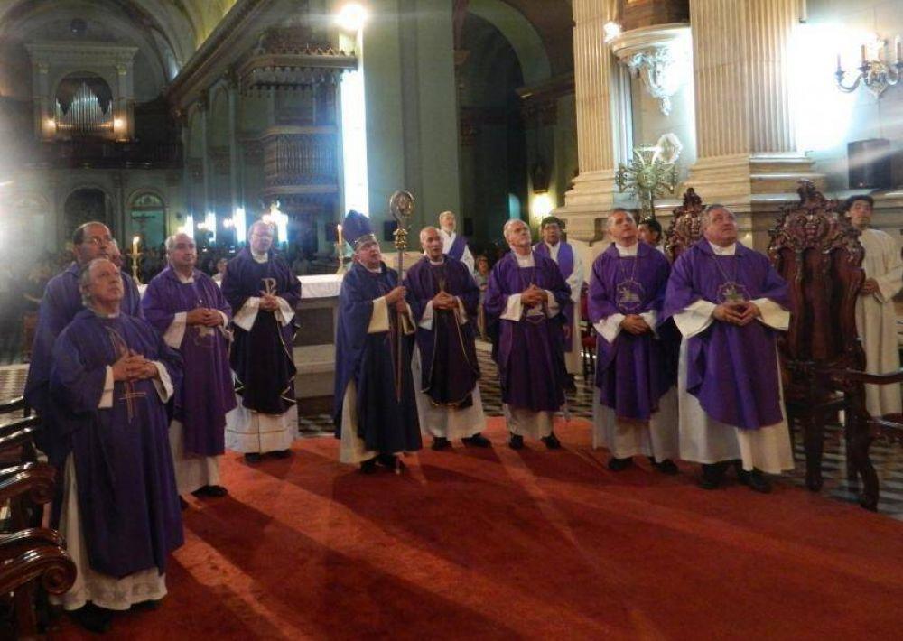 Los obispos del NOA veneraron a la Virgen del Valle