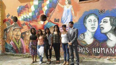 Inauguraron en Gimnasia y Tiro un mural en homenaje a la lucha de las mujeres