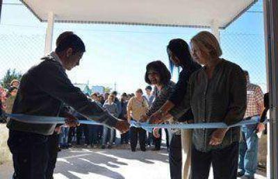 CPE inaugur� dos edificios escolares en Las Heras