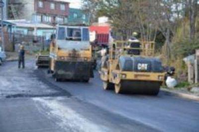 Avanza la pavimentación en el barrio Felipe Varela