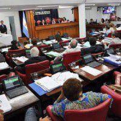 El oficialismo se impuso para que el presidente de Lotería concurra al anexo y no al Recinto