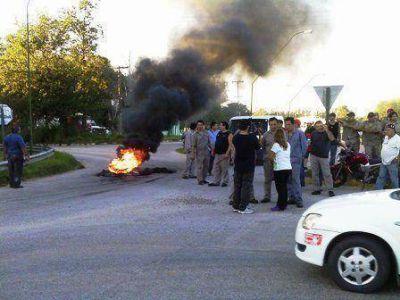 Villa Mercedes: trabajadores de una textil cortaron la ruta 55