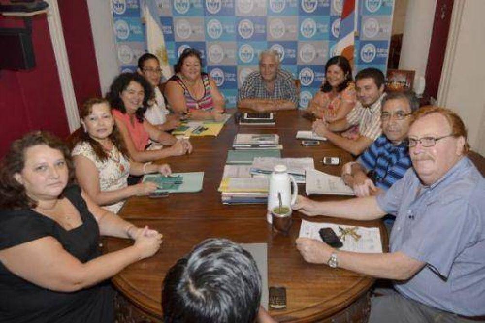 Paritarias municipales: hay acuerdo con AOEM y el mínimo de bolsillo llegará a 4716 pesos