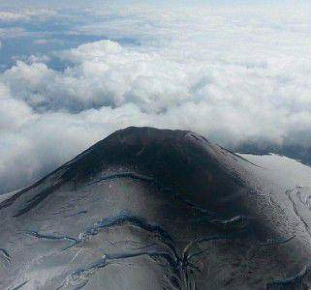 Volcán Villarica: Sernageomin baja a Amarilla el nivel de alerta