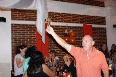 Carignani encabezó el festejo de la Ola Naranja por el Día de la Mujer