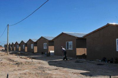 Avanzan las viviendas para relocalizar familias de la vera del Arroyo El Gato