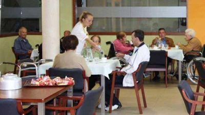 La mayoría de los geriátricos locales no están habilitados