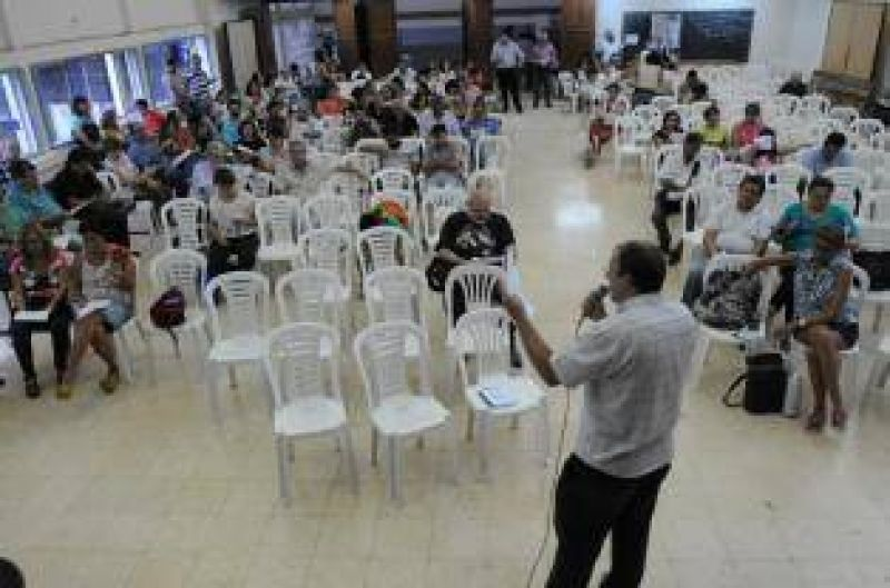 Con 72 horas de paro, docentes no inician las clases en la UNT