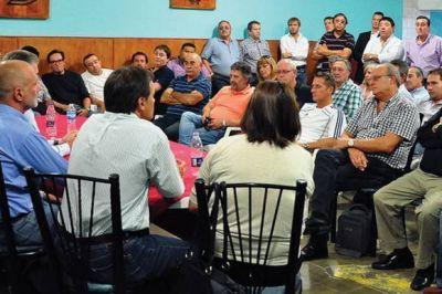 Fuerte llamado a la unidad del PJ y apoyo las iniciativas de Buzzi de las PASO y la democratización de las comunas rurales