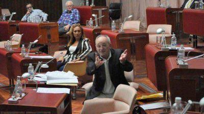 No hubo quórum para tratar el pedido de informes de la UCR sobre el contrato PAEEl ChuSoTo dejó sin quórum la sesión de la Legislatura de ayer.