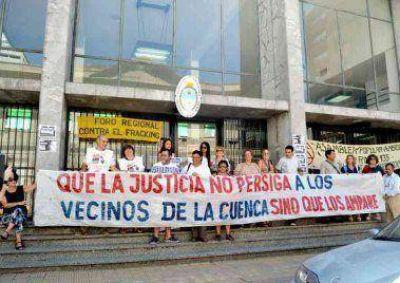 Asambleístas se reunieron frente al Juzgado Federal