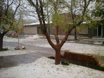 Fuerte tormenta de granizo y agua en San Rafael