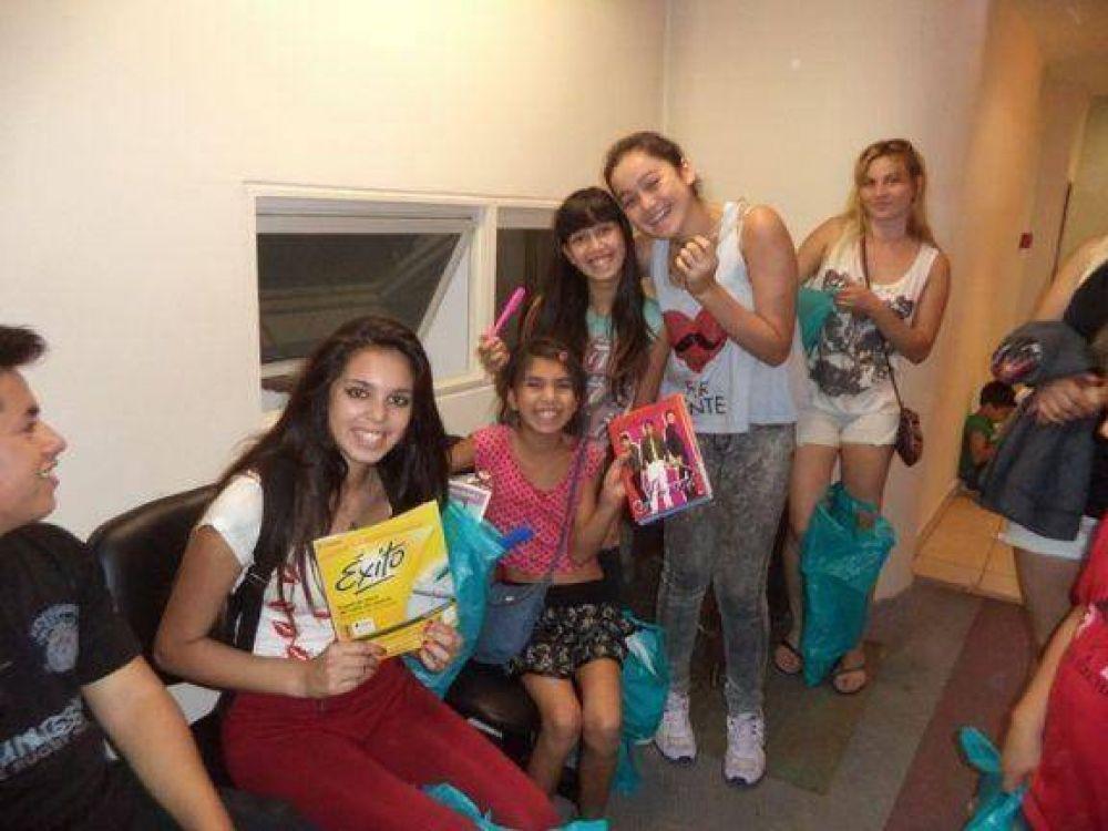 AMIA entregó útiles escolares a familias beneficiarias