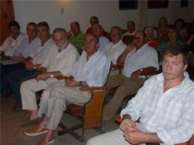 Llambías y Larretche disertaron en la Sociedad Rural