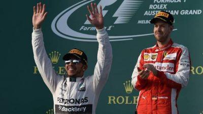 El campeón Hamilton volvió a ganar y Vettel debutó en Ferrari con un podio