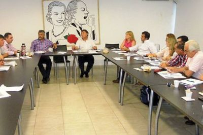 Sector ovino: la Provincia present� en Naci�n la documentaci�n para el REPRO