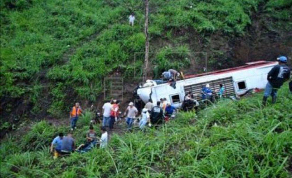 En un accidente mueren 49 evangélicos que iban a un oficio