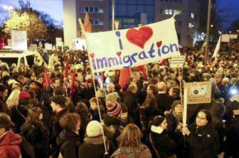 Marcha de PEGIDA y una contramarcha paralizan oeste de Alemania
