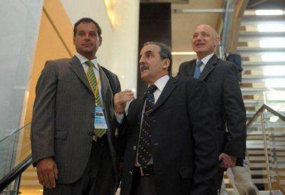 Desde el exilio, Moreno planea regresar al ruedo