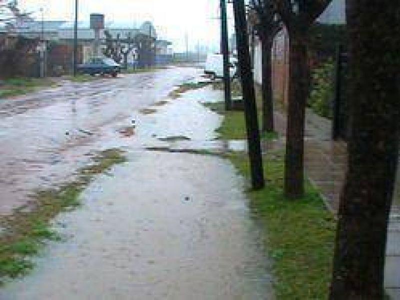 El Concejal Alvarez reclamó por inconvenientes derivados de la tormenta en el barrio Romano