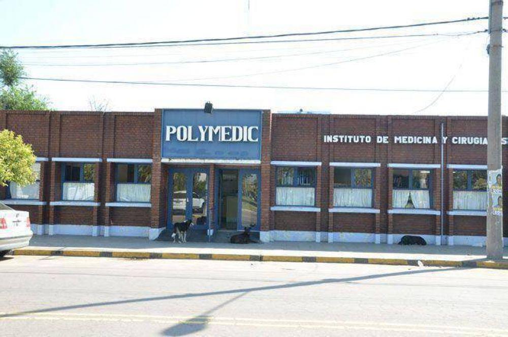 Trabajadores del Polymedic reclaman por salarios y hay temor por un posible cierre