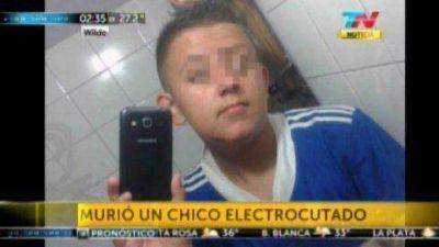 Un chico de 14 a�os muri� electrocutado en Wilde