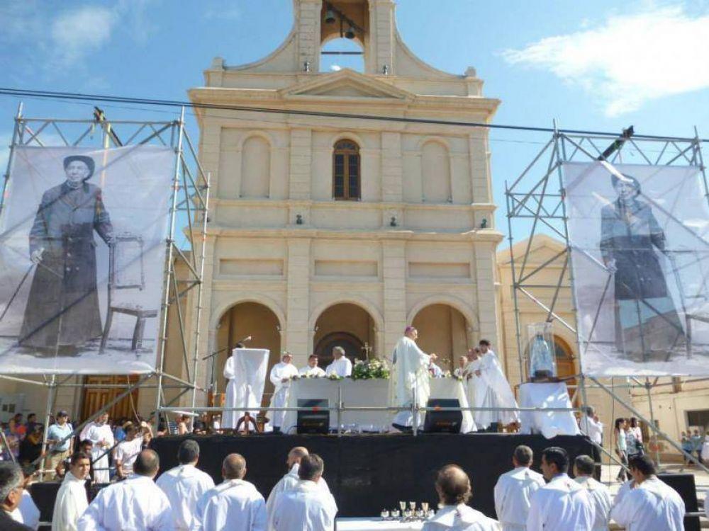 Cientos de peregrinos celebraron la fiesta de Brochero