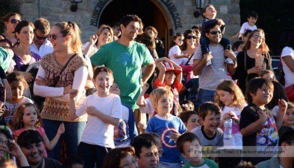 Color y alegría en el cierre de los festejos en el Centro Cívico