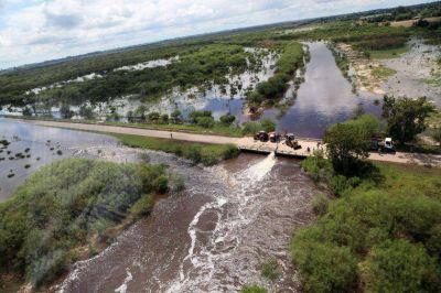 Bonfatti firmó el decreto que amplía la emergencia agropecuaria a otros distritos de la provincia