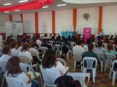 Llevan políticas públicas de juventud a diferentes puntos de la provincia