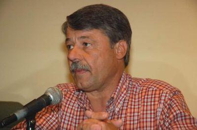 Font renunció a la presidencia del Comité