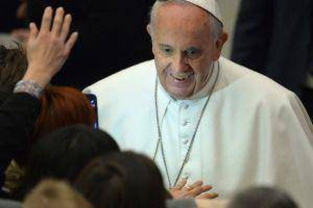 Un obispo vaticina que Francisco se irá en 5 años
