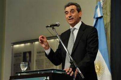 Randazzo presentó un proyecto en el Congreso para recuperar la administración de todas las vías del país