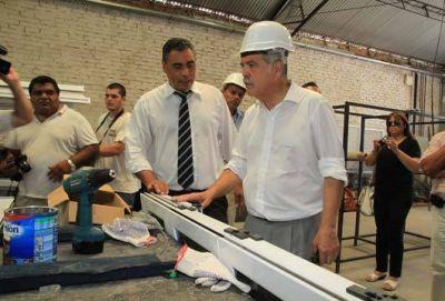 Urquiaga firmo convenios junto a Julio de Vido