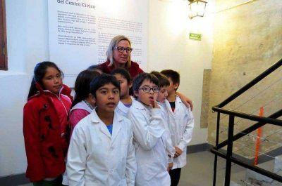 Centenares de visitantes tuvo el reloj del Centro Cívico
