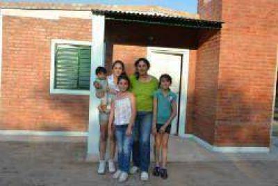 Inauguraron viviendas Sociales en Siete Arboles y La Dársena