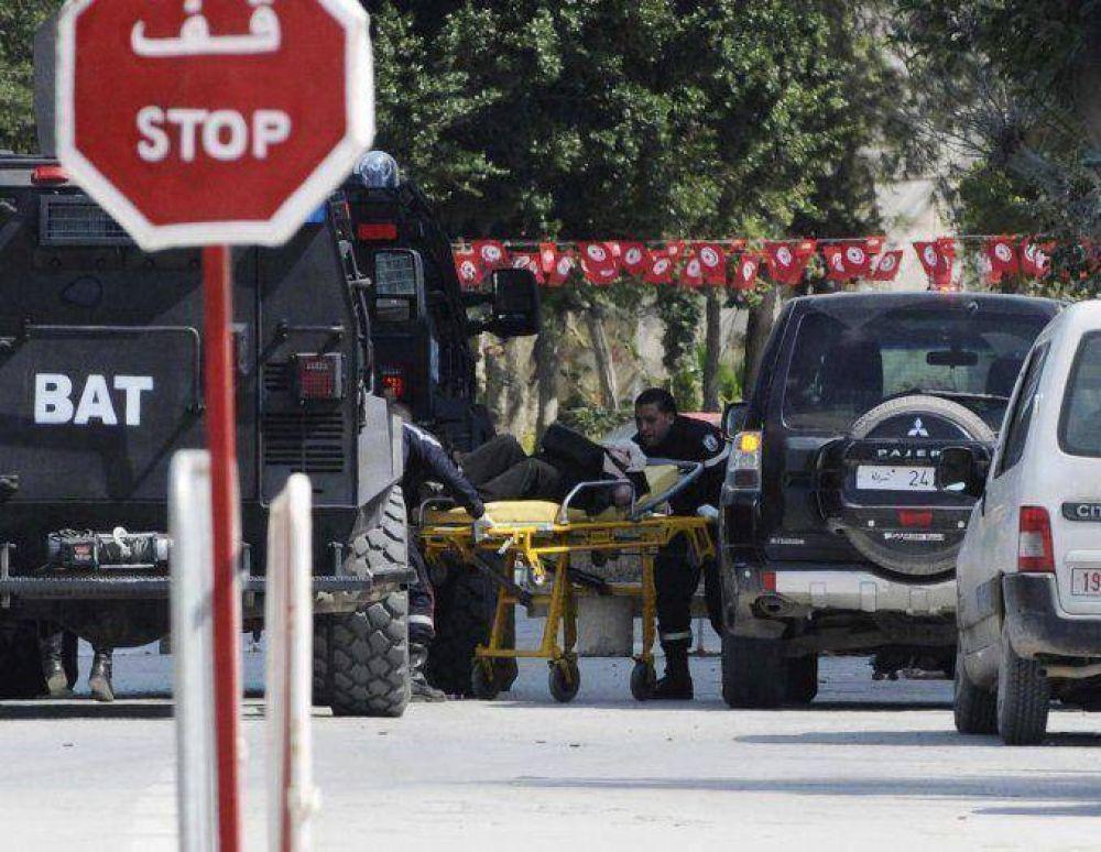 Ascienden a 20 los muertos por el atentado en Túnez