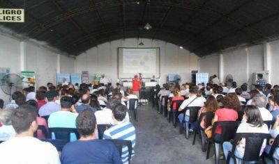 Mas de 200 personas participaron ayer de la jornada sobre el buen uso de agroquímicos