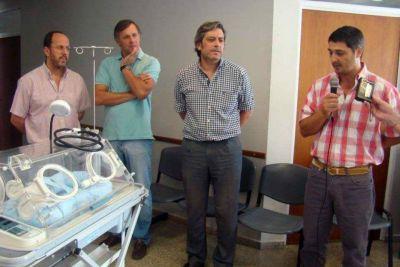 Pellegrini: presentaron la nueva incubadora